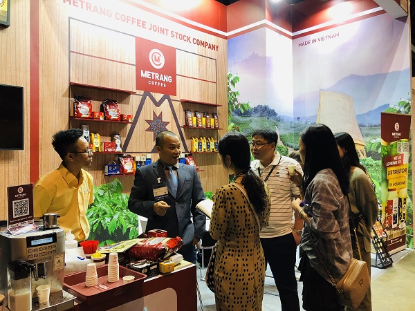 Me Trang Coffee participating in the Hong Kong International Trade Fair